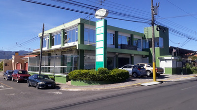 Bello Local Comercial Con Terraza El Bulevar Cartago Alqui