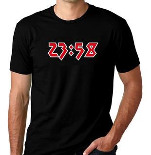 Camiseta Camisa Iron Maiden Two Minutes To Midnight 23:58