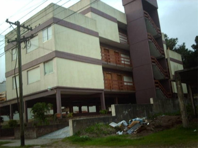 Departamento En Villa Gesell. Vende O Permuta En La Plata -