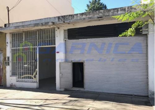 Locales En Importante Centro Comercial Ituzaingó Norte