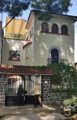 Casa Con Uso De Suelo En La Del Valle