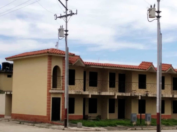 Casa El Alboral 2 Obra Gris - Reina Gómez