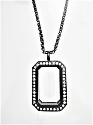 Imagen 1 de 4 de Collar Locket Relicario Rectangular Negro Acero Inoxidable