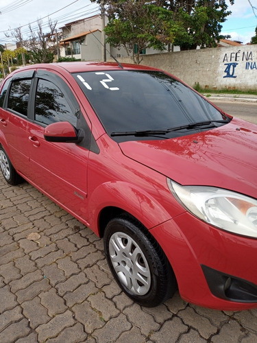 Imagem 1 de 8 de Ford Fiesta