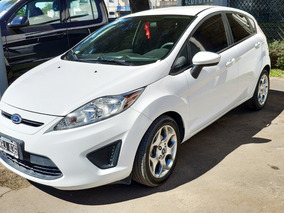 Ford Fiesta Kinetic Design 1.6 Trend Con Garantía Mecánica