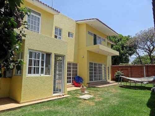 Hermosa Casa En Exclusivo Fraccionamiento En Delicias Cuernavaca