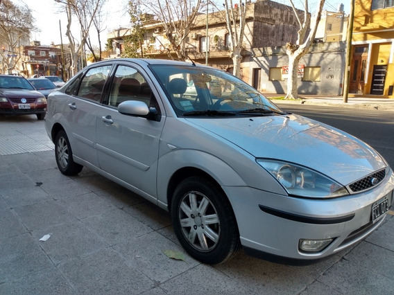 Ford Focus 2.0 Ghia At 2005