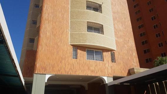 Apartamento En Alquiler. El Milagro. Mls 20-9251. Adl.