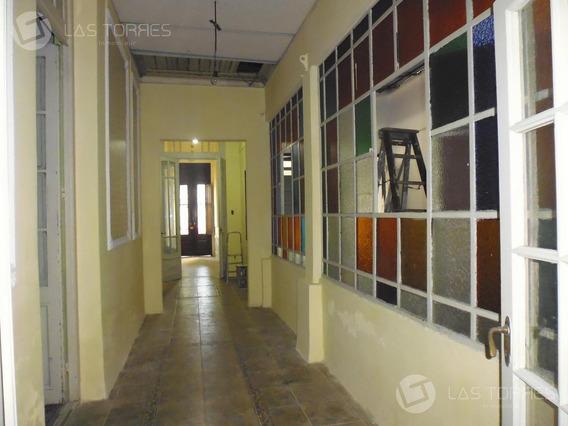 Casa - Jacinto Vera - Ideal Empresa, Oficinas, Deposito! Estacionamiento!