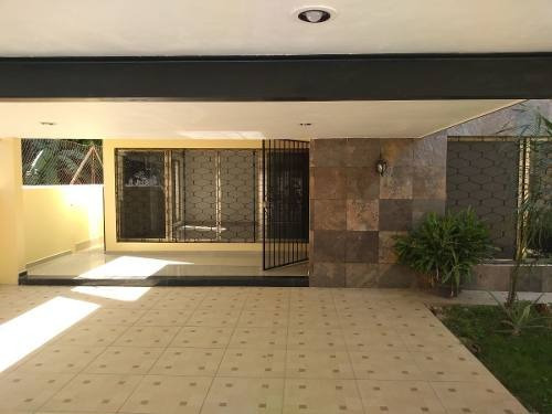 Amplia Casa En García Ginerés
