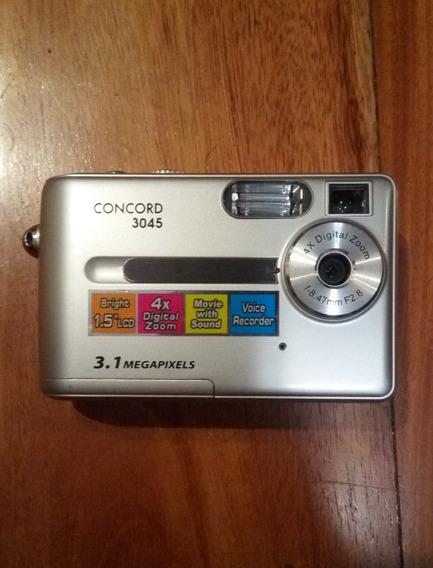 Cámara De Fotos Concord 3045 3.1 Mp + Funda, Cables, Accesor