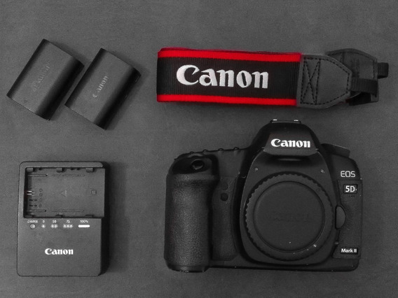 Camera Canon 5d Mkii Com Varios Acessórios
