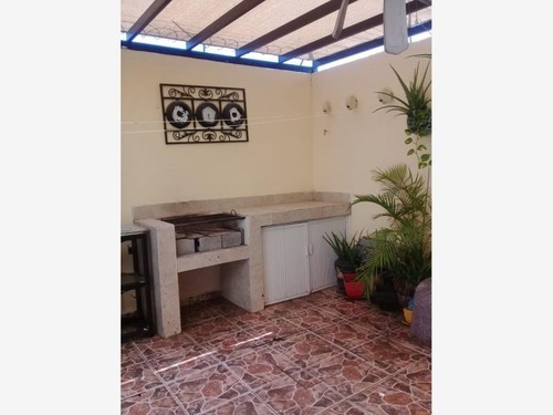 Casa En Venta En Fracc. Villas Del Renacimiento