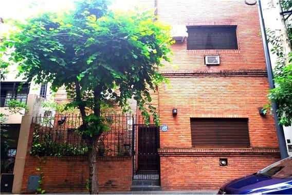 Venta Casa 5 Amb Con Terraza Y Parrilla Flores