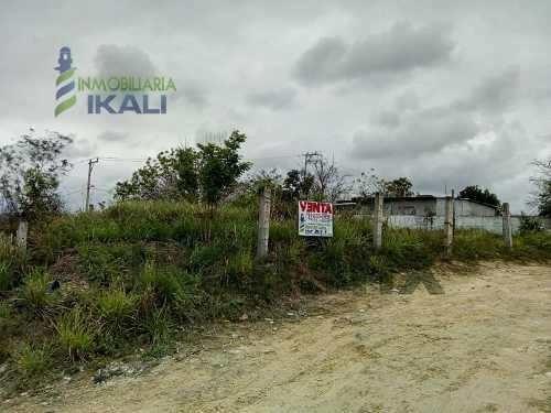 Venta Terreno En Tuxpan Veracruz En Esquina Col. Las Granjas 600 M² En Forma De L, Da A 3 Calles, A Un Costado De Los Centros Comerciales Walmart Y Sam