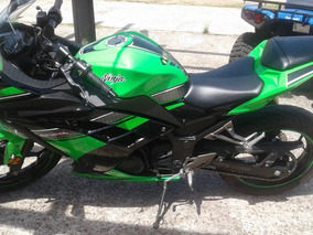 Moto Kawasaki Ninja 300 Es