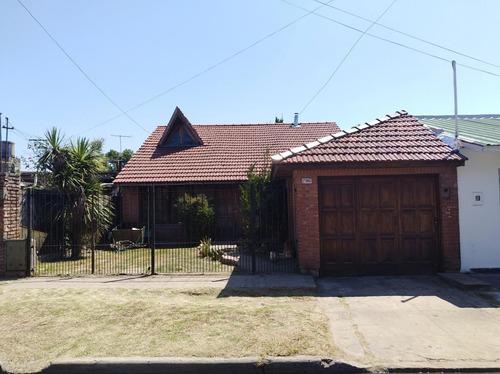 Imagen 1 de 18 de Venta De Casa De 4 Ambientes Con Pileta En Quilmes