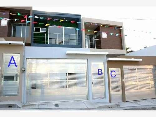 Casa Sola En Venta Col.villa Rica Sur