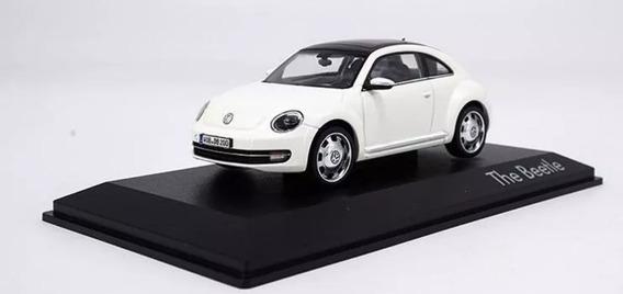 Miniatura Volkswagen The Beetle Branco Escala 1:43 Schuco