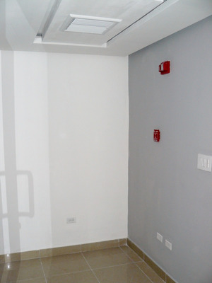 Oficina En Venta En Panamá Cerca De La Vía España Con A/a