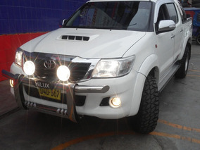 Toyota Hilux 4x4 - Modelo 2012 -petrolera - Semifull