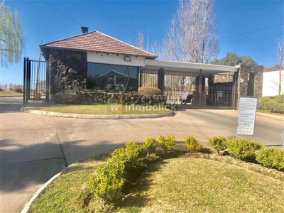 Openhouse Alquila Casa Moderna En Vistalba Country