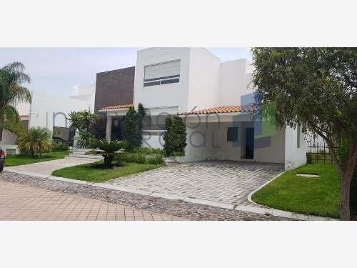 Casa Sola En Renta El Campanario (fracc.)