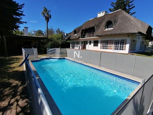 Casa Con Pileta A 1 Cuadra De La Playa Ideal Familias Grandes- Ref: 243