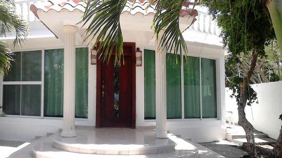 Preciosa Villa En Venta En Ocoa