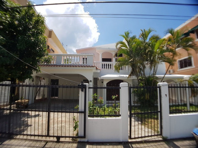 Amplia Casa En Costa Verde