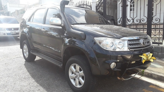 Toyota Fortuner 4x4 Impecable