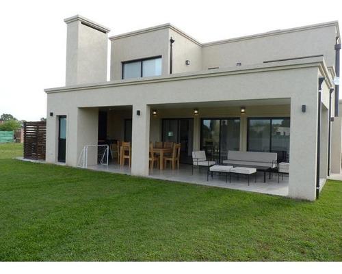 Casa - Pilar Del Este Santa Emilia