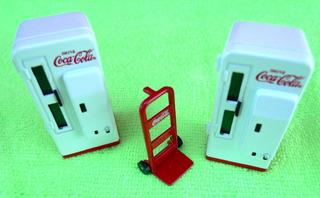 Set De 2 Vending Machines & Dolly Cart.coca Escala 1/25 Ertl
