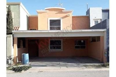 Casa En Venta En Villa Solares