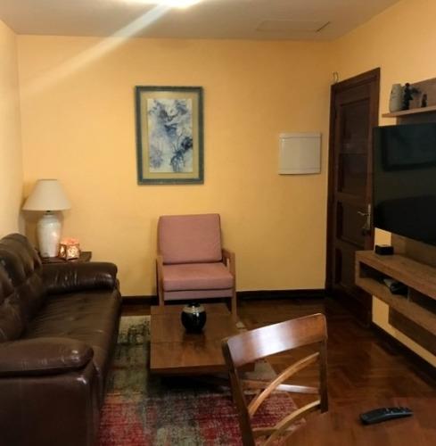 Alquilo Apto 2 Dormitorios En Cordon, Grandes Dimensiones.