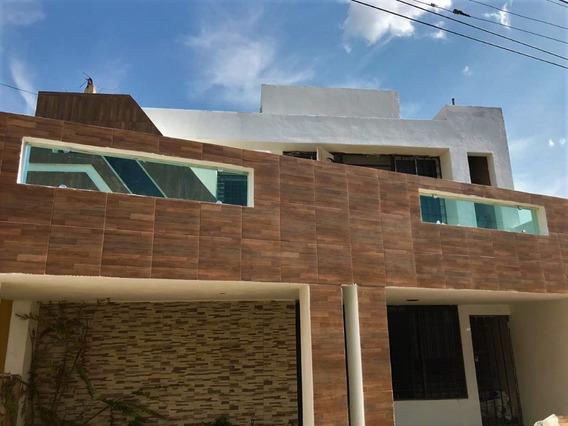 Casa Recién Remodelada, Ideal Para Oficina O Casa.