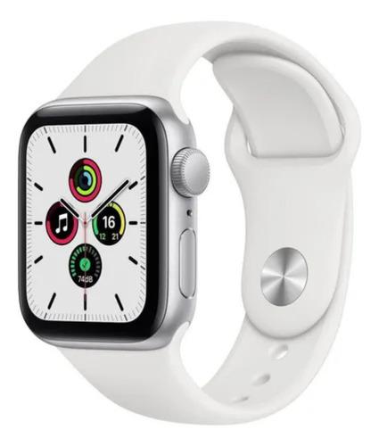 Imagem 1 de 8 de Apple Watch SE (GPS, 40mm) - Caixa de alumínio prateada - Pulseira esportiva Branco