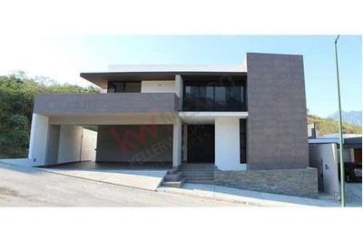 Excelente Residencia En Venta, Vive La Magia De La Naturaleza, Al Sur De Monterrey