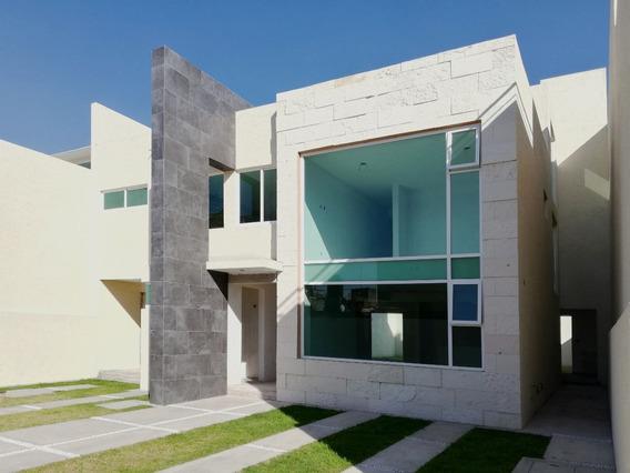 Casa En Venta En Metepec, Facil Salida A La Cd. De México