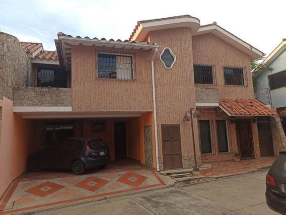 Casa En Venta Urbanizacion Barrio Sucre Maracay/ 21-11632 Wj