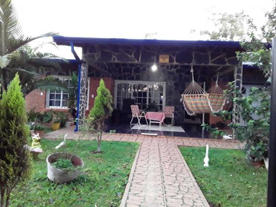 Vende O Alquilar, Casa De 6 Ambientes Y 2 Baños