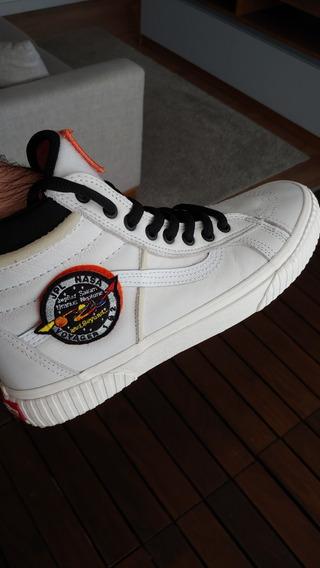 Tênis Vans Sk8-hi Mte Nasa Space Voyager True White