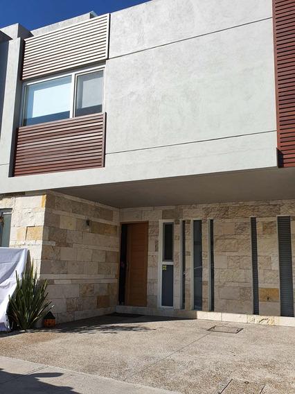 Remato Hermosa Casa Seminueva Por Cambio De Pais