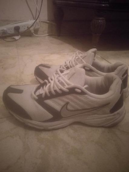 Zapatillas Deportivas Nike Poco Uso!!