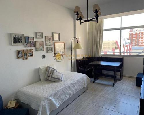 Apartamento En Muy Buena Ubicacion En Peninsula, Monoambiente, Cerca De La Playa Mansa Y Brava. Consulte!!!!!- Ref: 2258