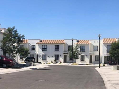 Casa Sola En Renta Desarrollo Zákia, El Marqués