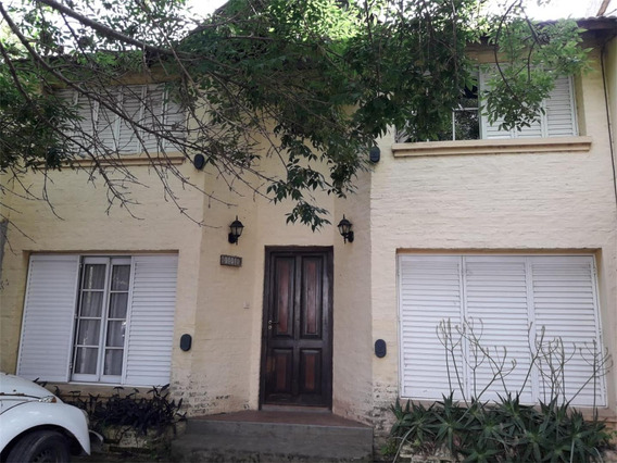 Casa 3 Dorm - 2 Baños - Patio - Excelente Ubicacion