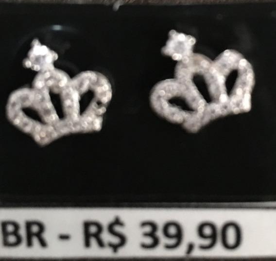 Brinco King Crown Banhado Em Ouro Branco