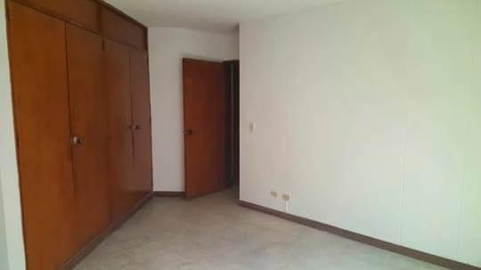Venta De Apartamento En Conquistadores, Medellín