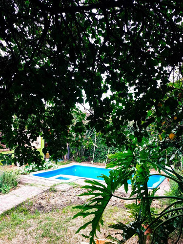 Casa Tipo Chalet Con Cocheras, Venta, Moron Sur